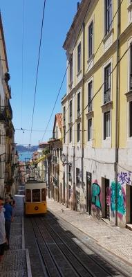 Cookie FM Nirina Lisbon Travel 18