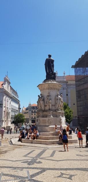 Cookie FM Nirina Lisbon Travel 24