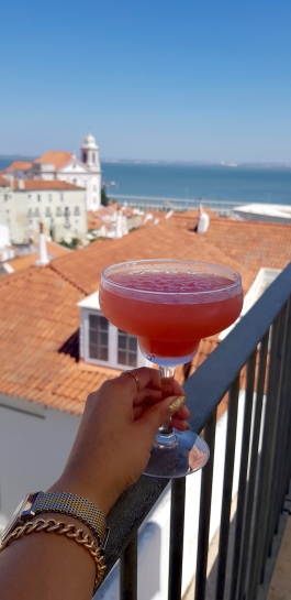 Cookie FM Nirina Lisbon Travel 36