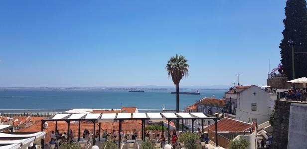 Cookie FM Nirina Lisbon Travel 79