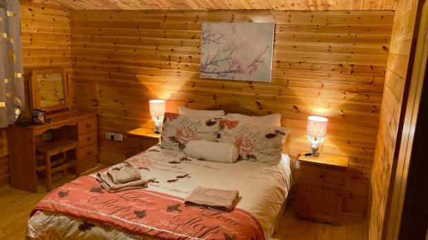Airbnb Shillelagh Wicklow Cookie FM Nirina-11