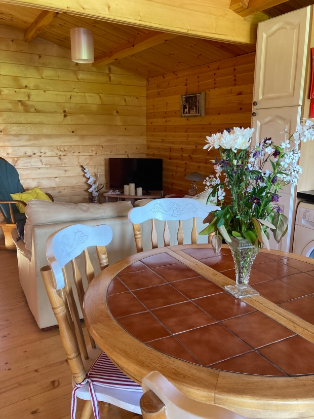 Airbnb Shillelagh Wicklow Cookie FM Nirina-3